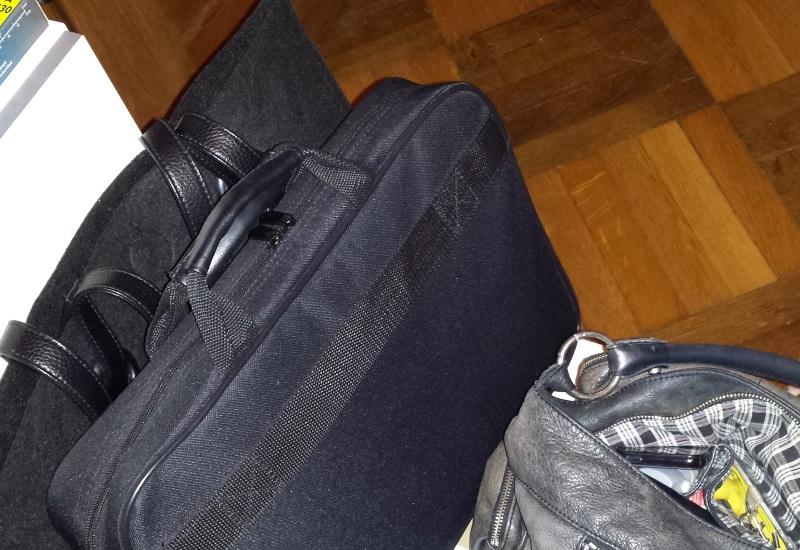 mit großem Gepäck zur Arbeit